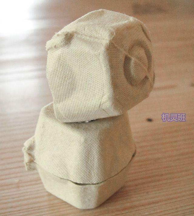 手工立体小动物:鸡蛋托制作吃竹子的大熊猫(步骤图解)4
