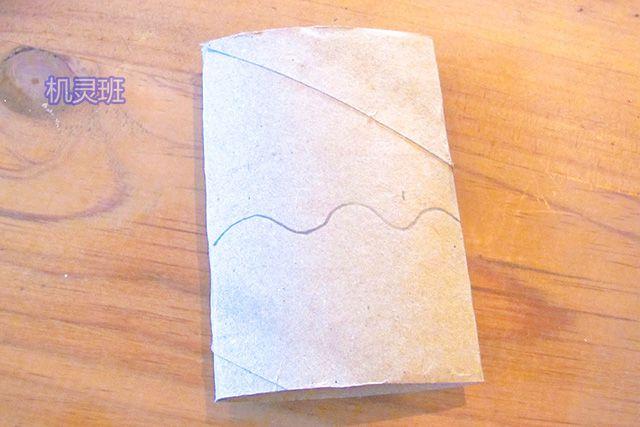 爱护动物手工:卫生纸筒制作鲸鱼戏水(步骤图解)1
