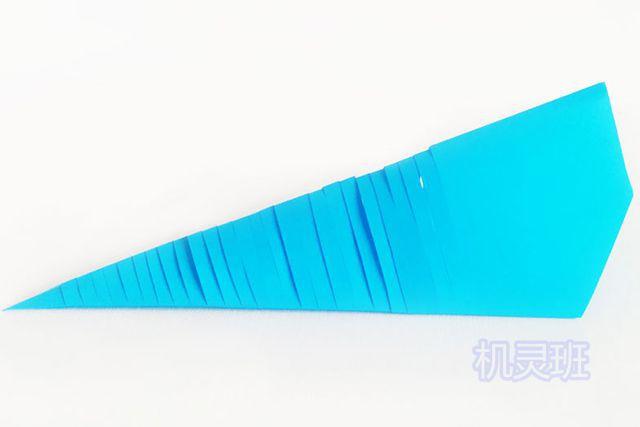 儿童手工海洋动物:怎么用彩色A4纸简单剪纸会动的鲤鱼(步骤图解)8